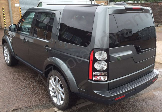 Totally Dynamic Land Rover Discovery Vinyl Wrapped In A